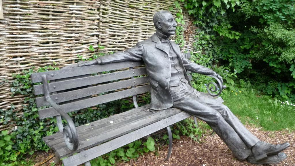 Statue of Edward Elgar
