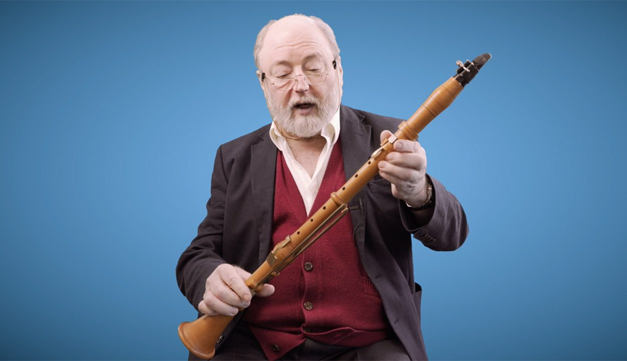 Our Principal Clarinet Antony Pay takes us through the staple instrument of the time, the five key clarinet, and shows us the type of basset clarinet he believes enables you to play Mozart's Clarinet Concerto best.