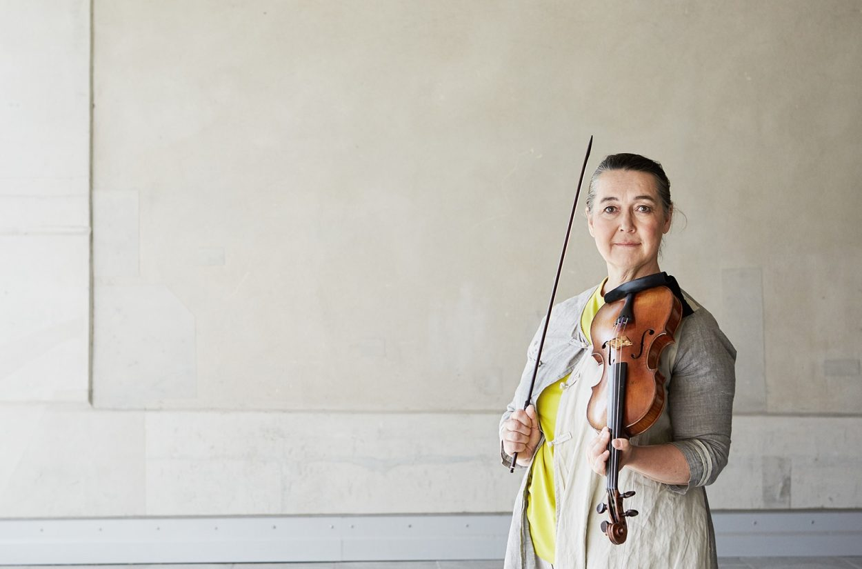 Margaret Faultless, leader, violin