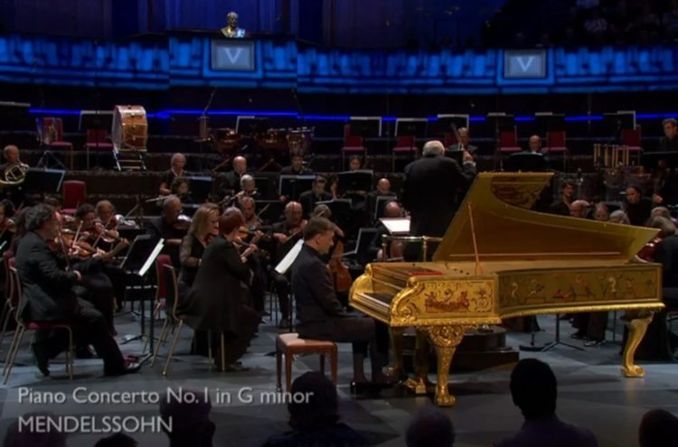 Stephen Hough performs Mendelssohn