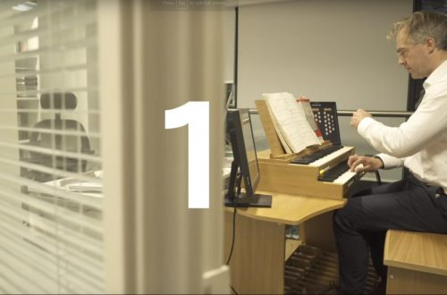 Organ in the office