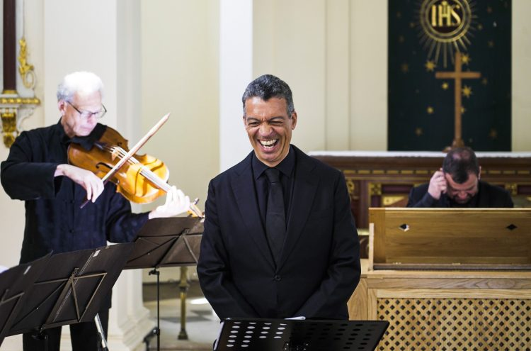 Sea Voyages and Salvation: Roderick Williams sings baroque cantatas with us